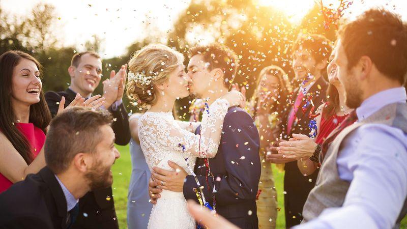 Откуда пошла традиция кричать горько на свадьбе