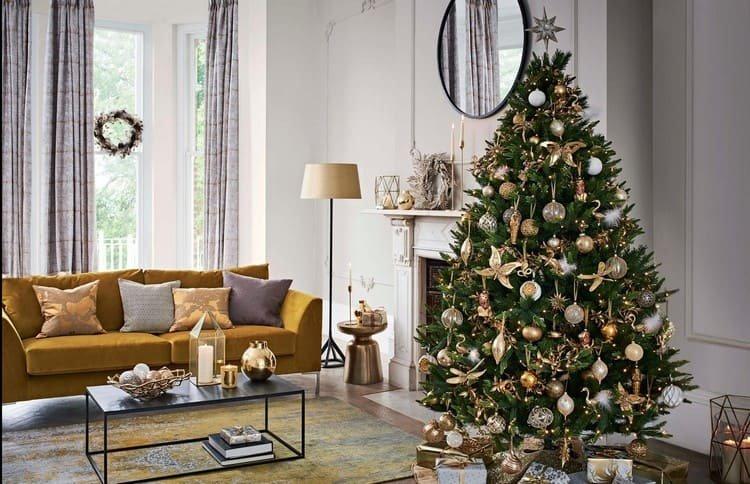 Стильное украшение елки