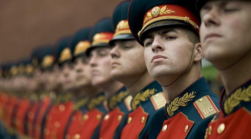 кремлевские курсанты офицеры суворовцы почетный караул