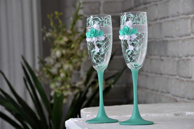 крутые стильные бокалы на свадьбу бирюзовые